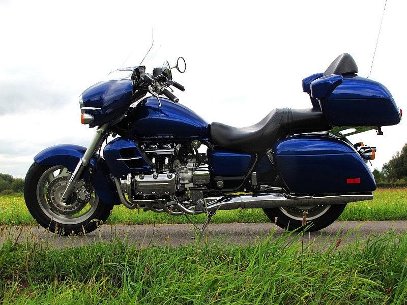 Honda Valkyrie Interstate 1999 blue (new paint) - Valkyrie Part's
